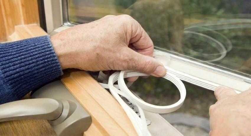 Чем заклеить окна на зиму: как утеплить окна чтобы не дуло?