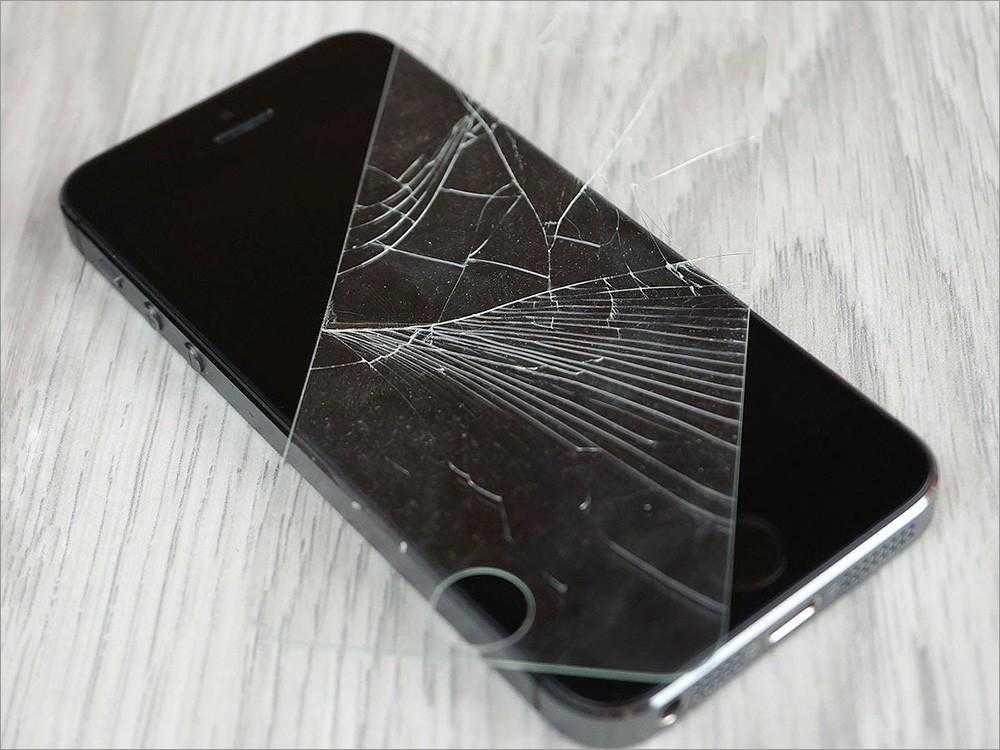 Потрескалось защитное покрытие iphone
