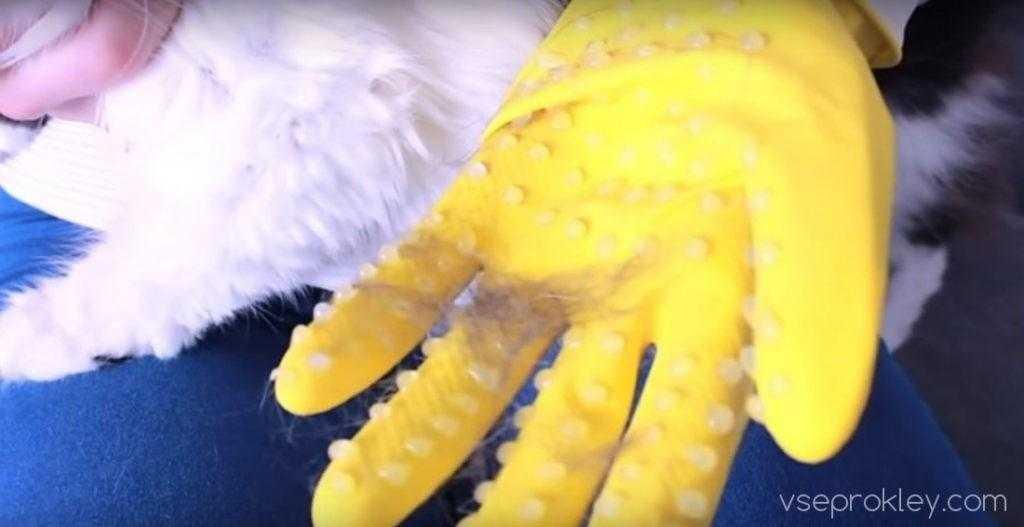 Чесалка для домашних животных из термоклея и перчатки