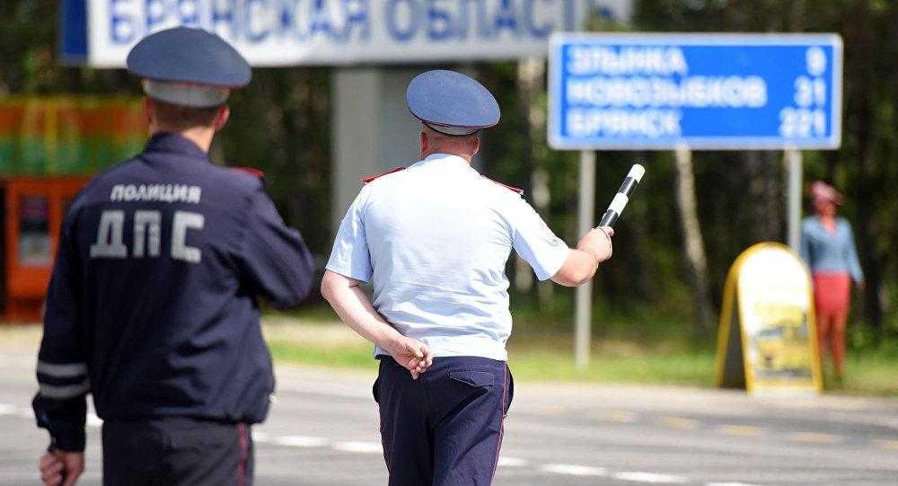 Работа полиции дорожно-патрульной службы фото