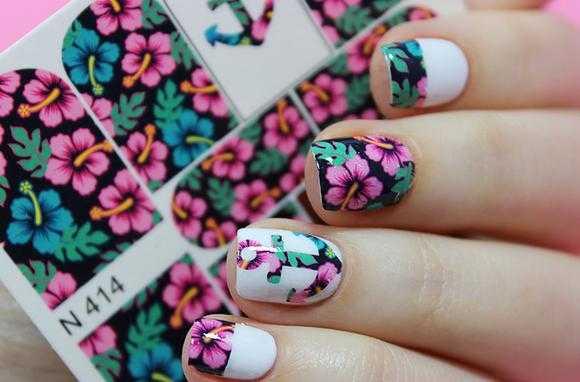 Красивое оформление ногтей наклейками с Алиэкспресс