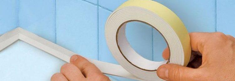 Бордюр для ванной: как приклеить защитную ленту?