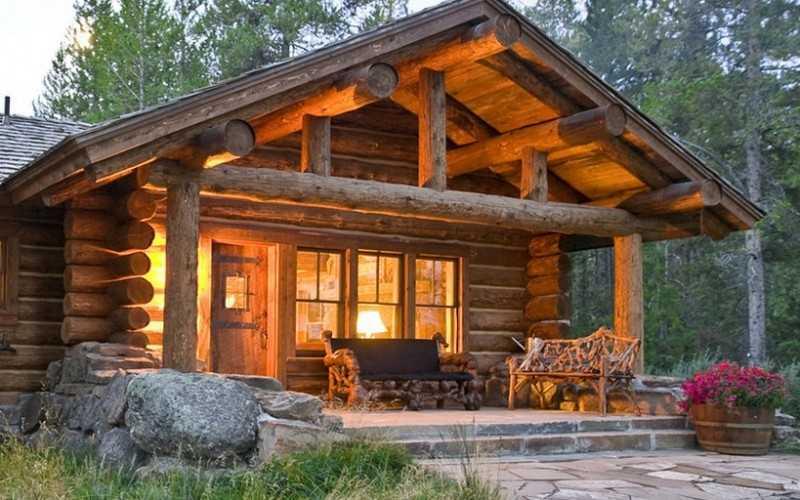 Красивый дом из дерева фото