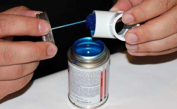 Как заклеить трубы из пластмассы пп своими руками?