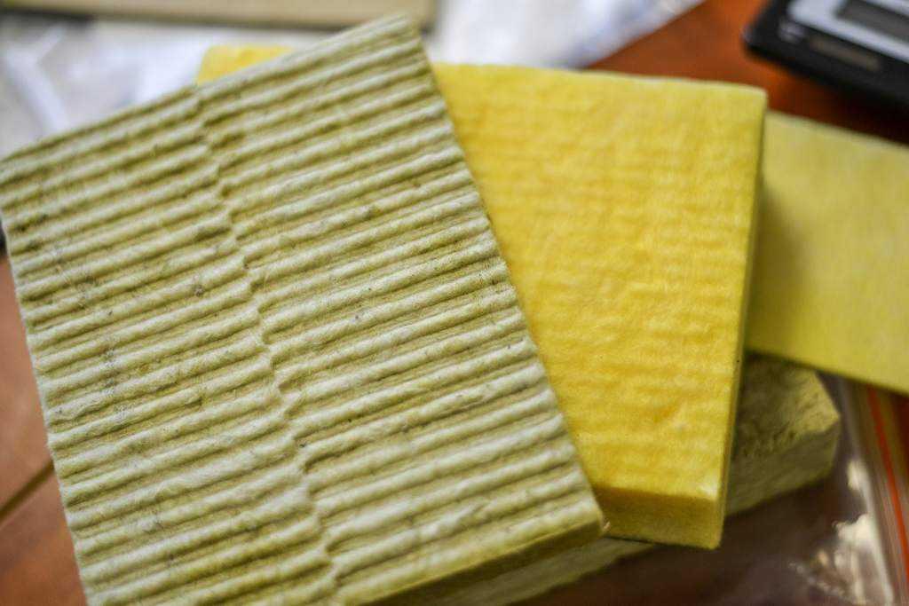 Как выглядит материал для шумоизоляции квартиры?