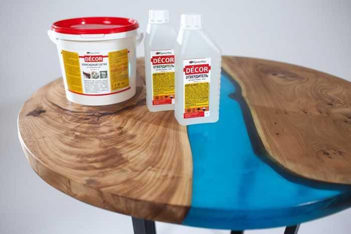 Заливочный столик из смолы и деревянных слэбов