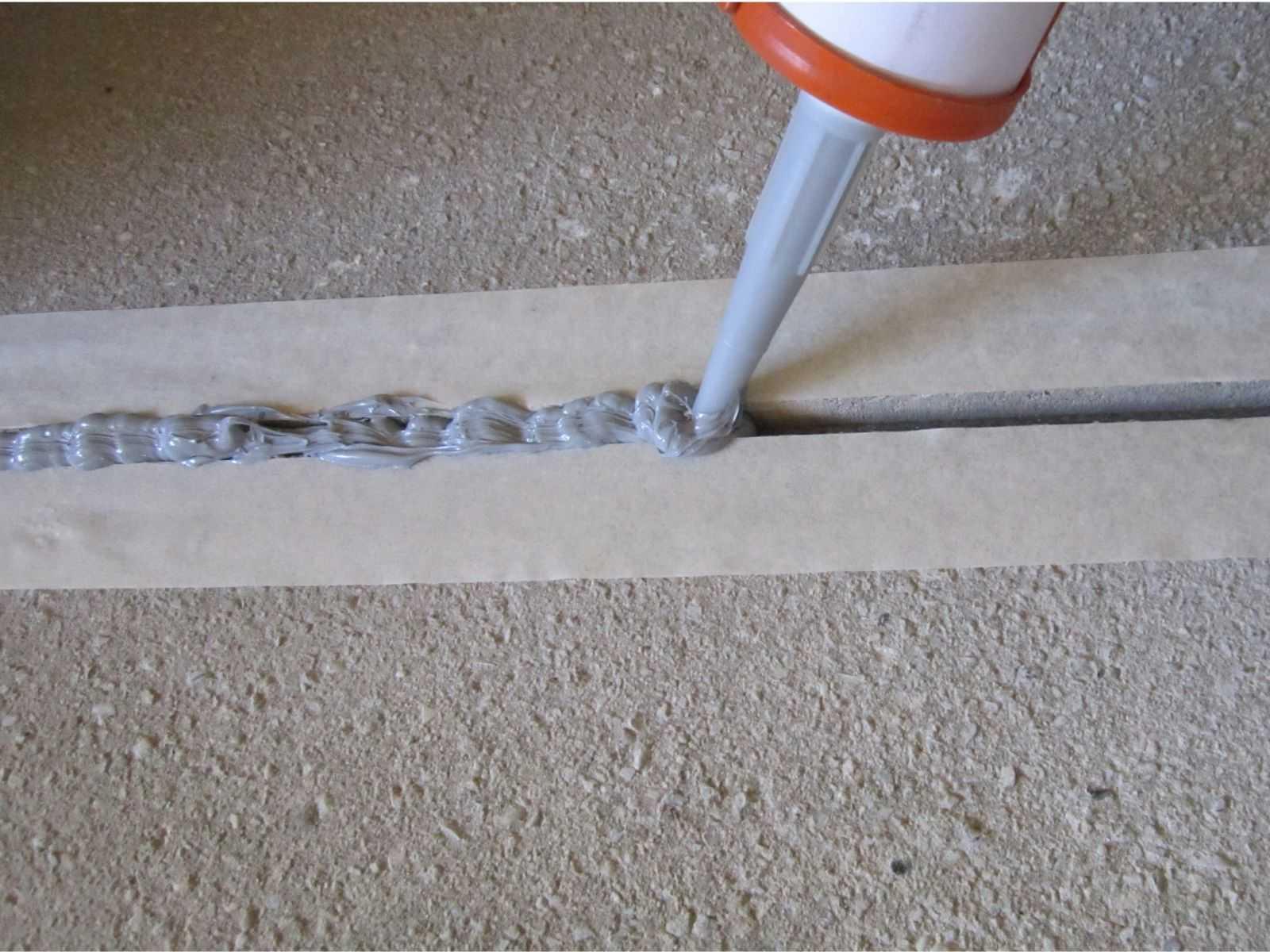 Чем заделать стыки бетонных плит?